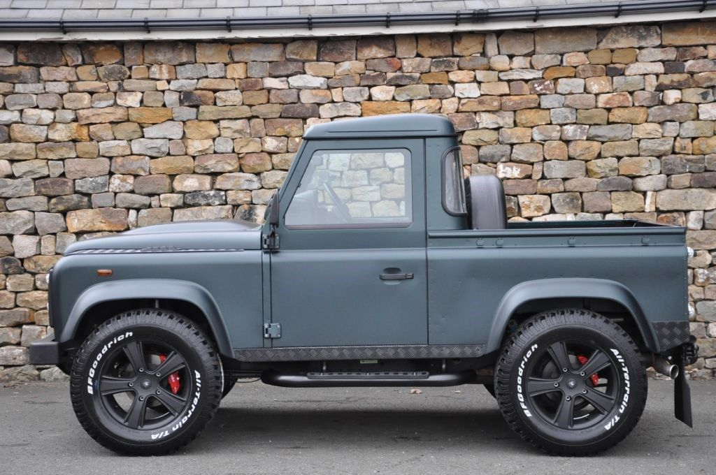 Land Rover Defender 90 pickup....this would be awesome!!!