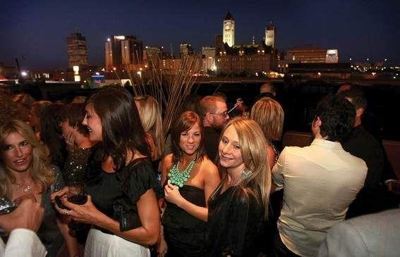 Enjoy Fabulous Nashville Patios This Summer: Such As Viragou0027s Rooftop Bar  In The Gulch
