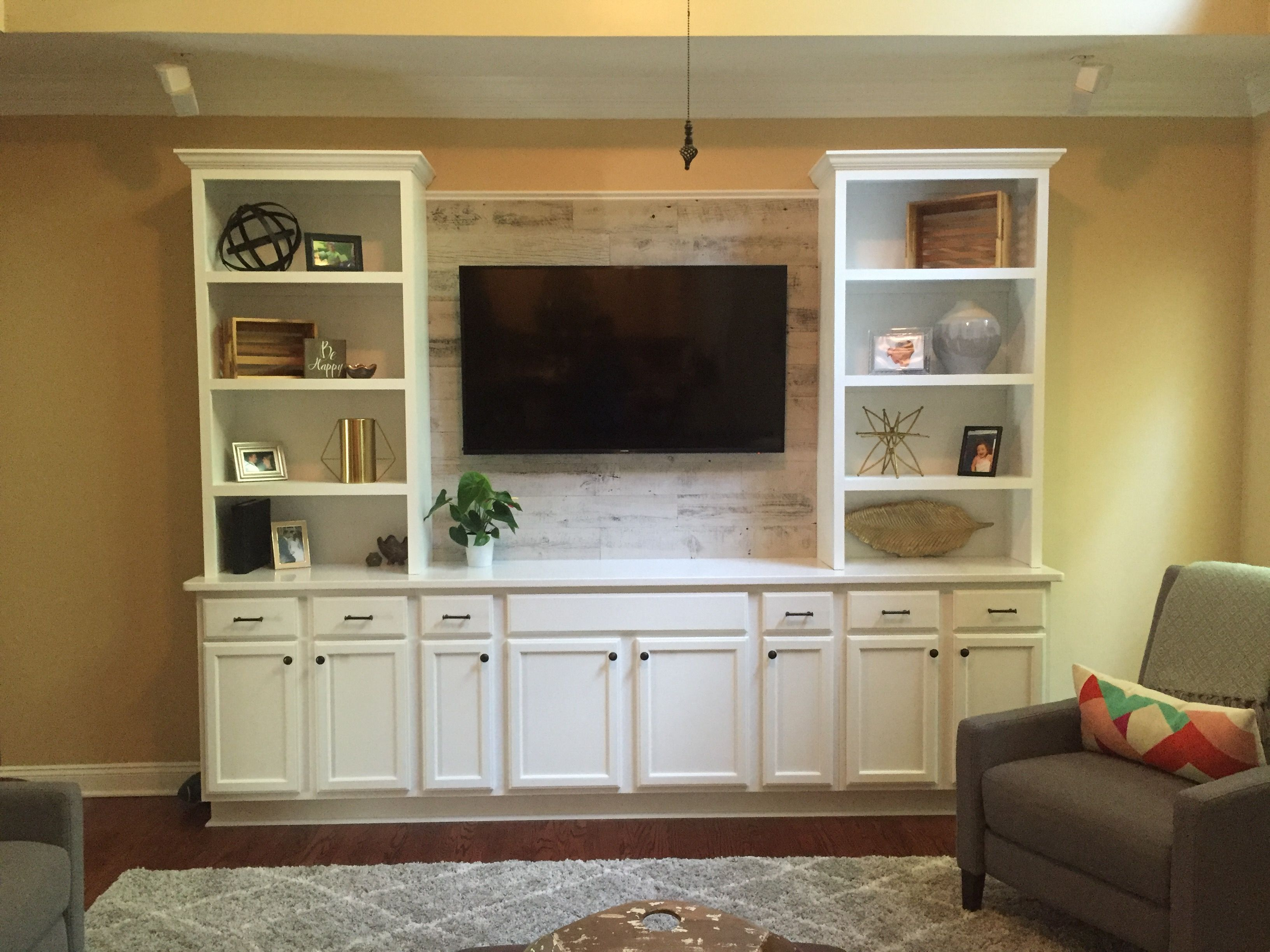 Best Pallet Projects Entertainment Wall Units 400 x 300