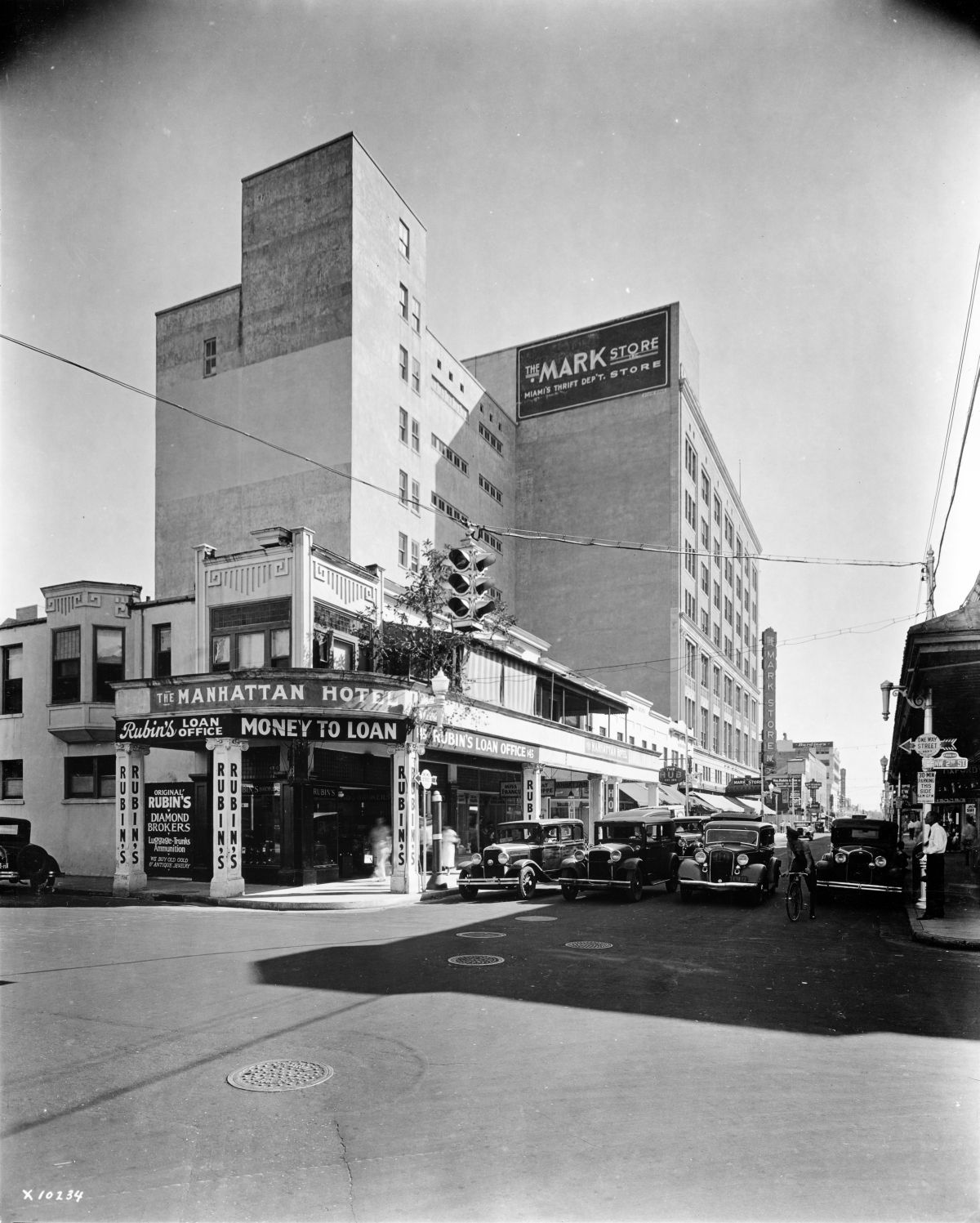 Looking South On Miami Avenue From 2nd Street In Miami Florida 1934 Photo By William Fishbaugh Florida Memory Florida City Florida Old Florida