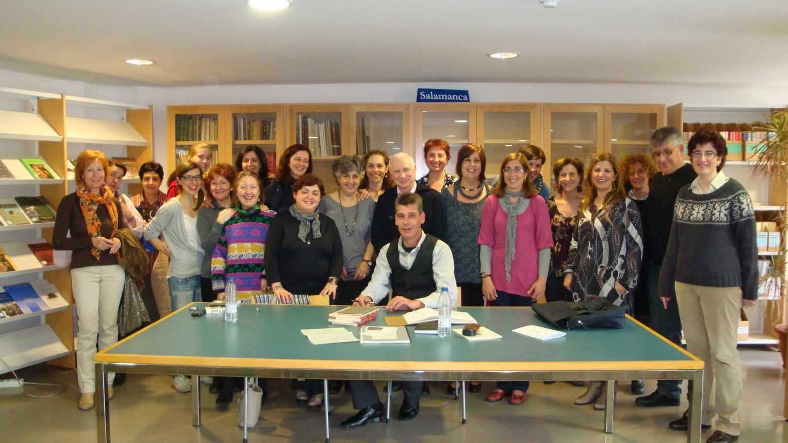 Encuentro del escritor Elías Moro, con el Club de lectura de los sábados en la Biblioteca Torrente Ballester.