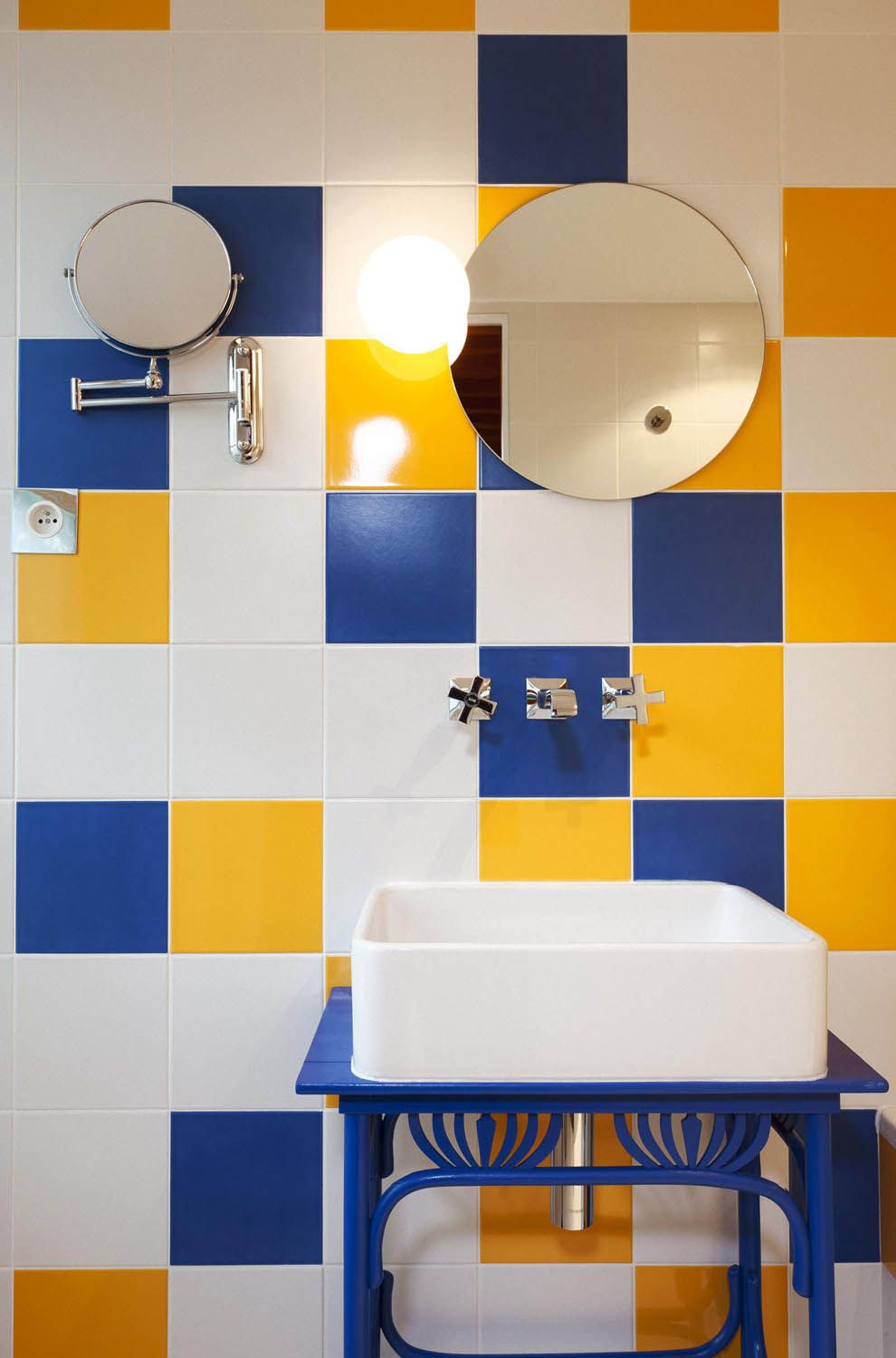 Bright And Cheery Blue Yellow Tile Arrangement For A Hy Bathroom Particularly Like The Matching Basin Stand