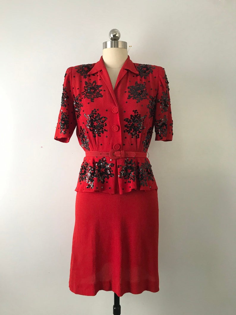 40s Red Crepe Sequin Dress Valentines Day Vintage 1940s Etsy Retro Fashion Outfits 1940s Dresses Dresses [ 1059 x 794 Pixel ]