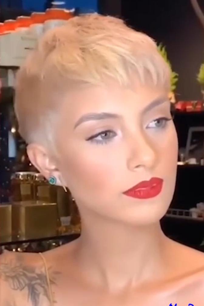 №15 Hot Trending Pixie Haircut 2020