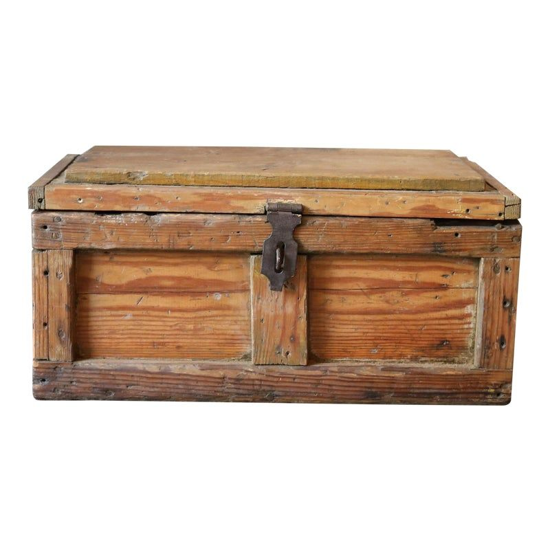 Vintage Wooden Chest In 2020 Wooden Chest Trunks Chests