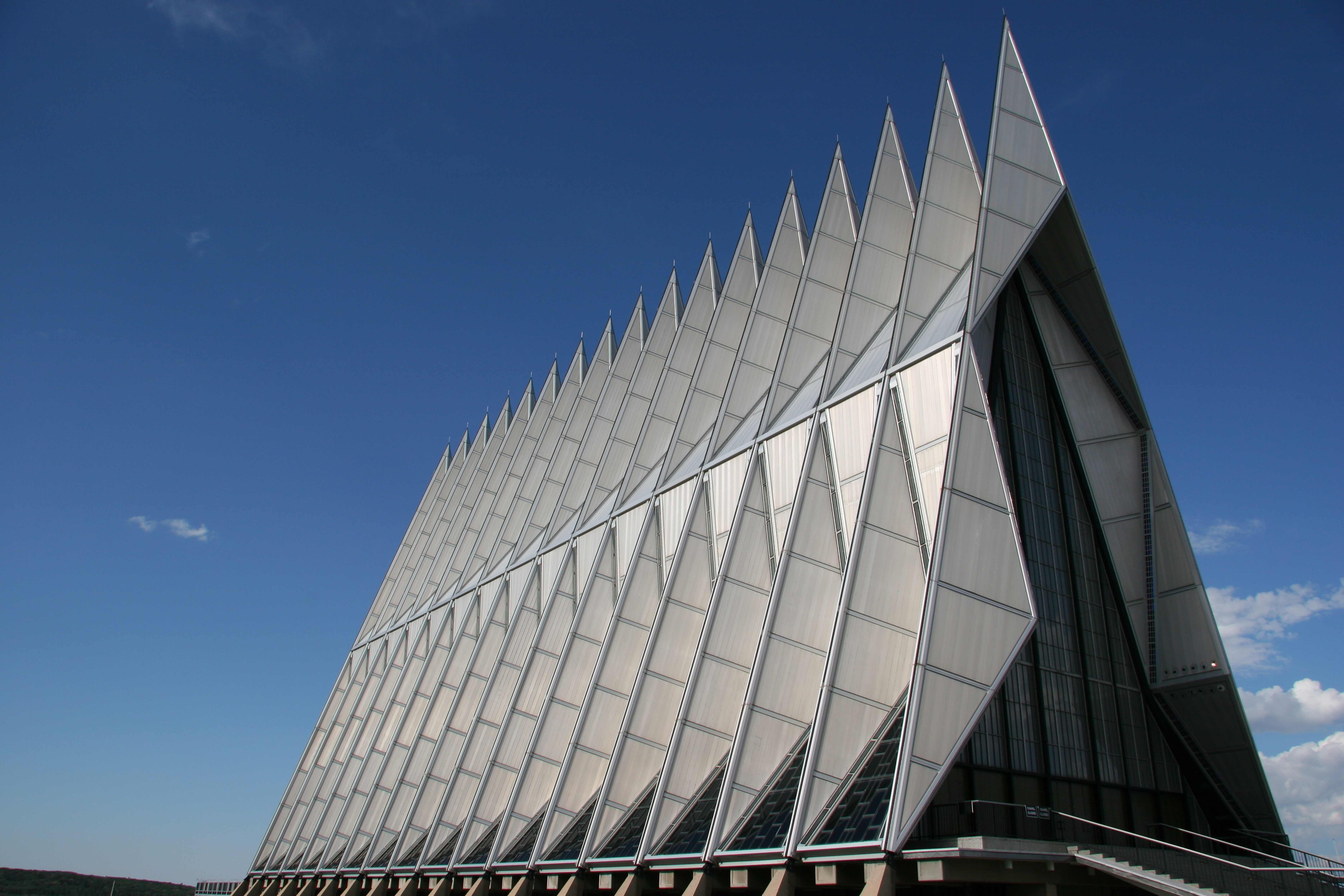 Air Force Academy Chapel (Colorado, USA) Architecture