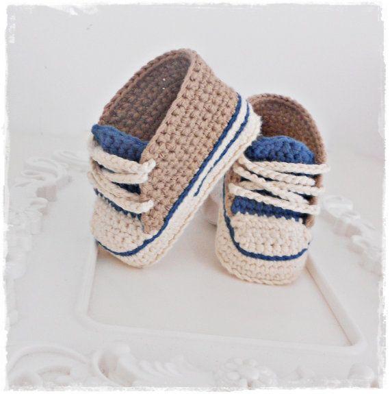 Zapatillas de bebe de ganchillo juguete de por Vintagesouletsyshop ...