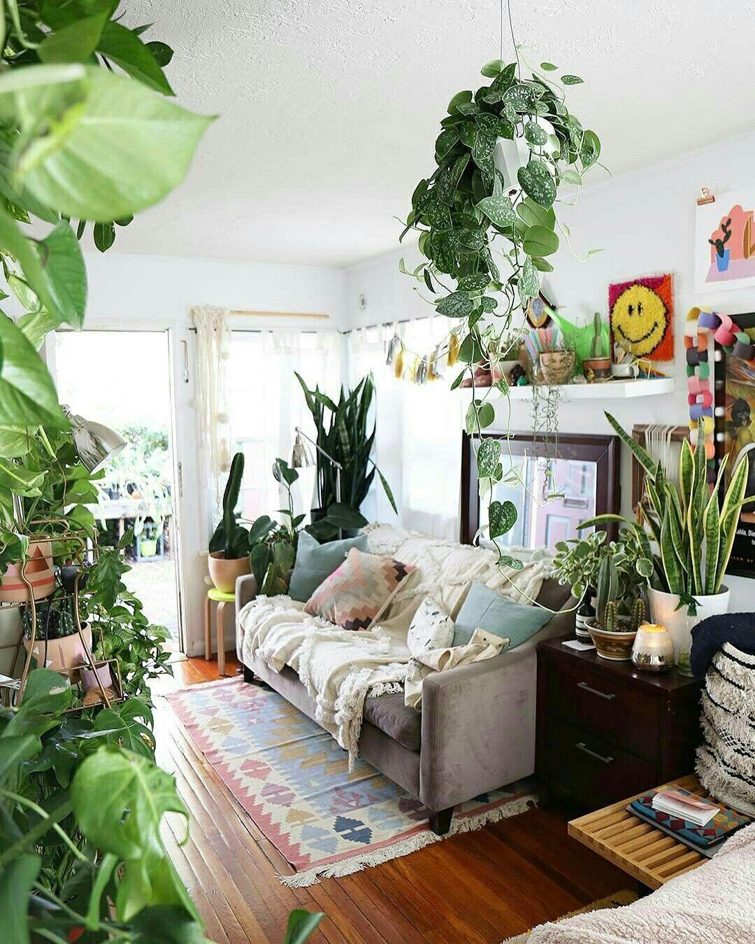 Quero Uma Sala Assim Urbanoutfitters Boho Living Room Living Room Plants Living Room Designs