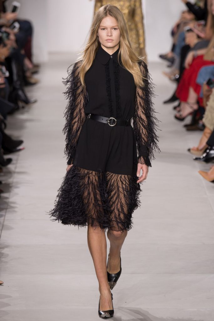 Fashion week NY automne hiver 2016 2017 - Michael Kors - plumes