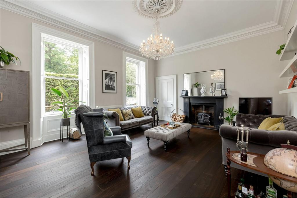 2 Bed Flat For Sale Lauriston 11 Lauriston Gardens Eh3 Espc In 2020 2 Bed Flat Flats For Sale Bed