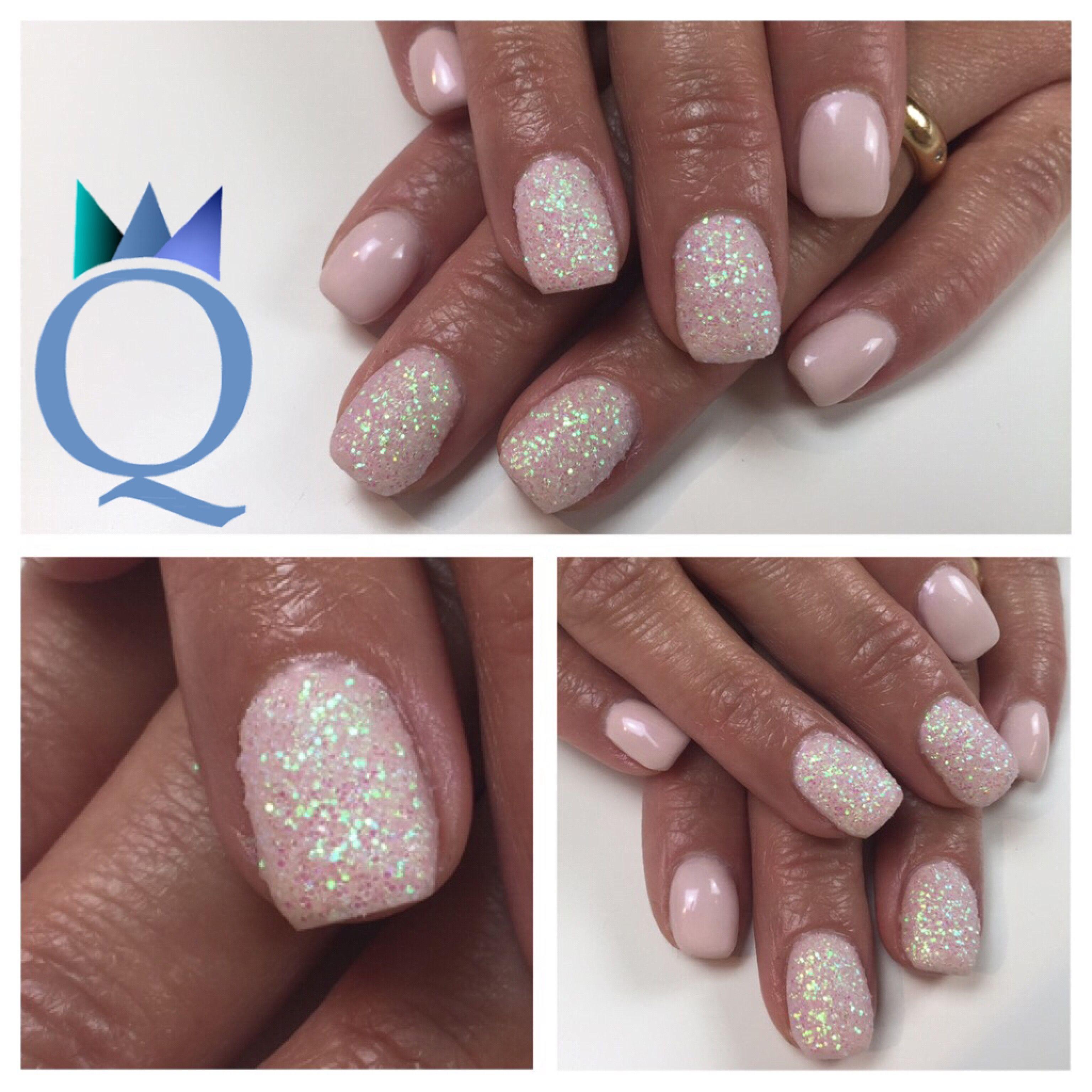 shortnails #gelnails #nails #lightrose #glitter #powder #kurzenägel ...