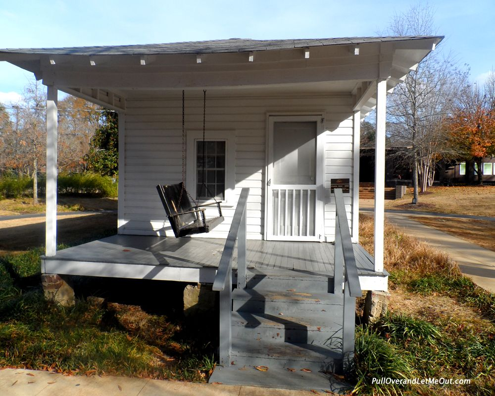 Elvis Presley Home In Hawaii S Birthplace Tupelo A Tiny For