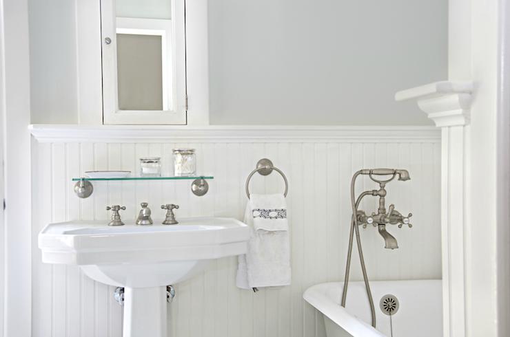 White Beadboard Bathroom Cottage Bathroom Titan And Co Beadboard Bathroom Beadboard Backsplash Beadboard