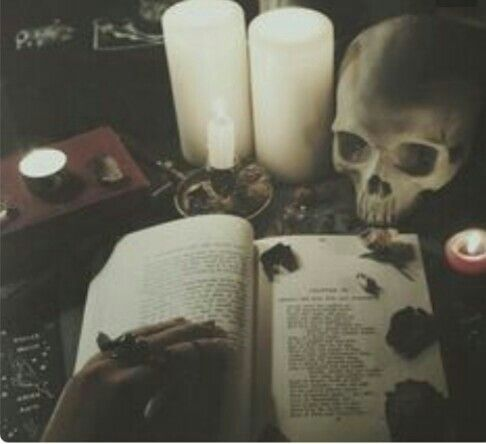 Pin By Aleah On Die Schwarzemagie Witch Aesthetic Real Black Magic Black Magic Love Spells