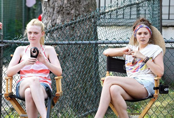 Dakota Fanning & Elizabeth Olsen