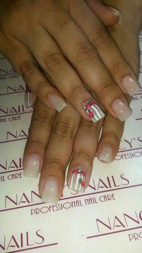Refill de uñas acrilicas naturales, pintado color nude pink y ...