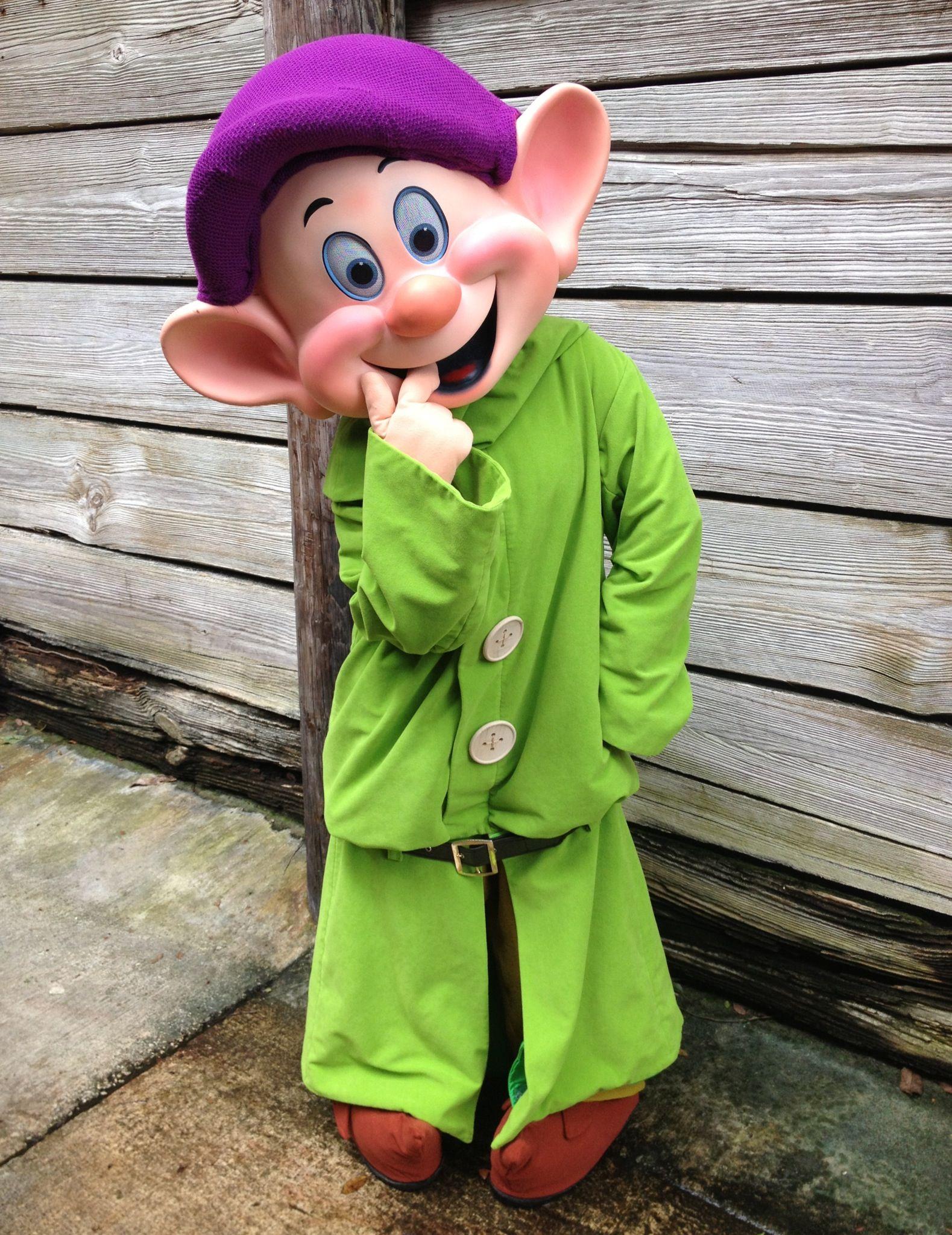 Snow White' Silliest Dwarf Dopey Disney