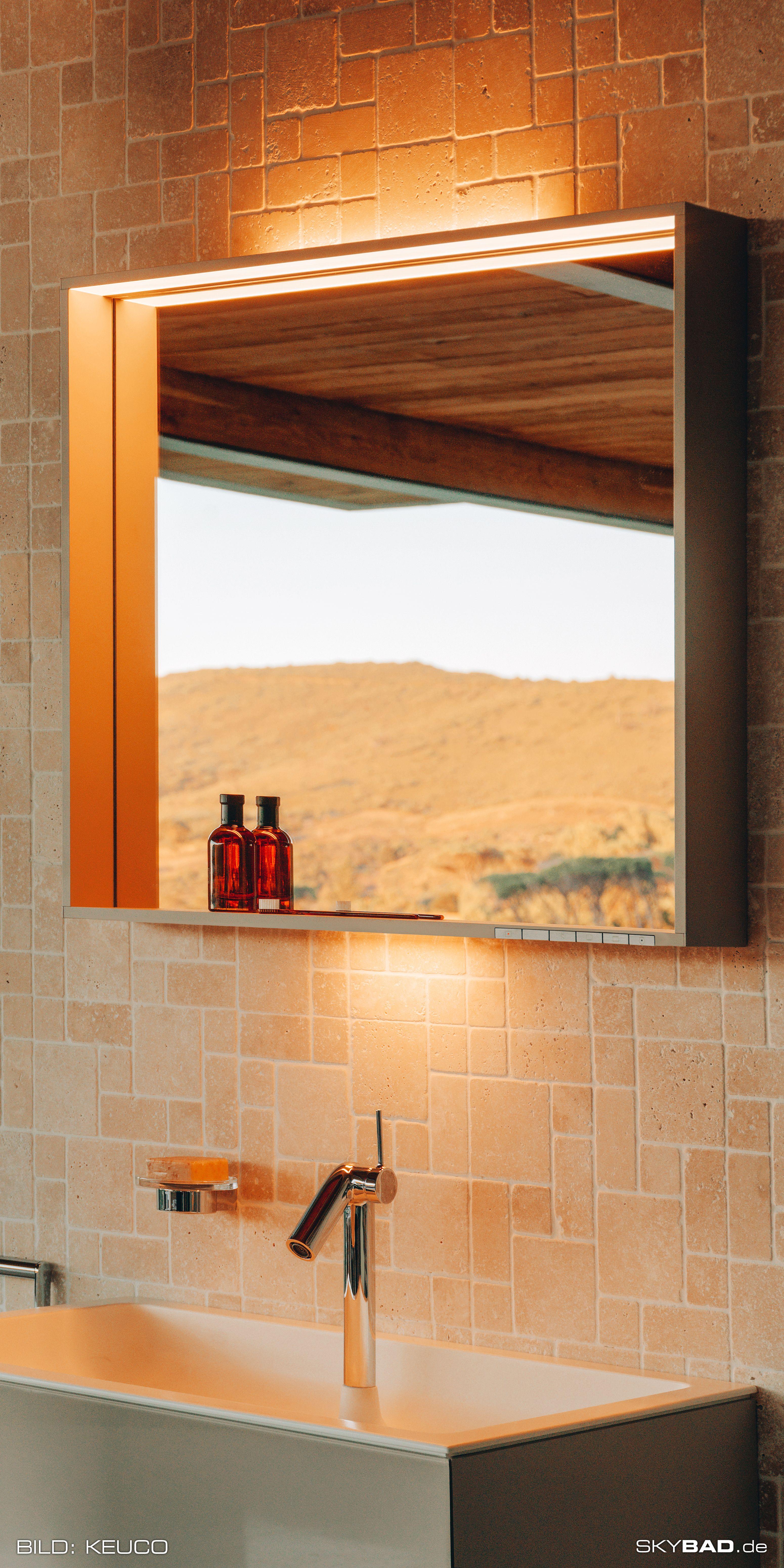 Moderner Beleuchteter Badezimmer Spiegel Mit Ablage Skybad De In 2020 Lichtspiegel Badezimmer Rustikal Moderne Hausentwurfe