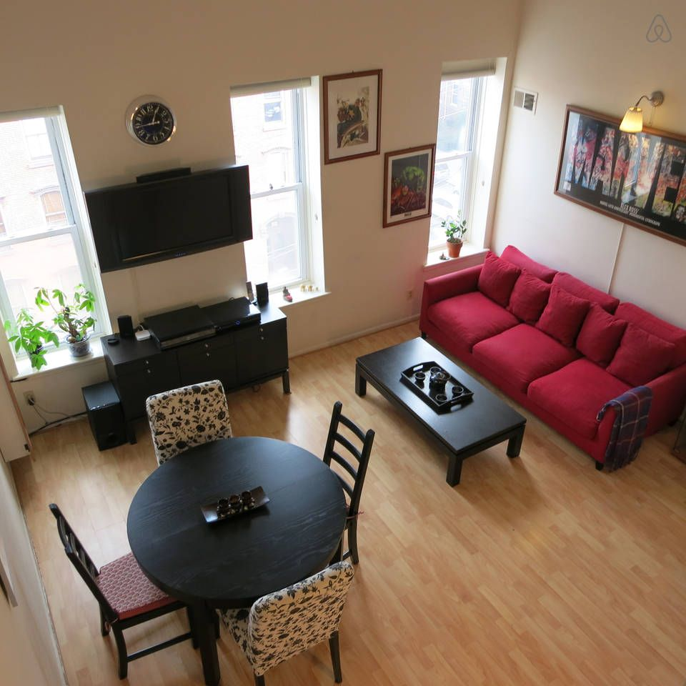 Spacious Sunny Steps From Nyc Vacation Rental In Newark New Jersey View More Newarknewjerseyvacationre Nyc Apartment Nyc Vacation Apartments For Rent