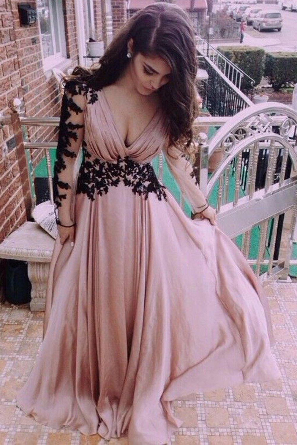 Absorbing prom dresses vneck long sleeve lace prom dresses