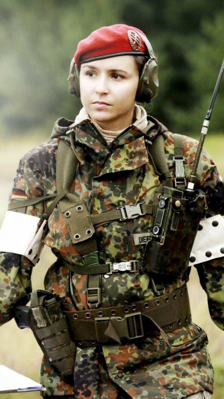 German Army Woman Fernmeldetrupp Bundeswehr Frauen Im Militar Soldatin Soldat