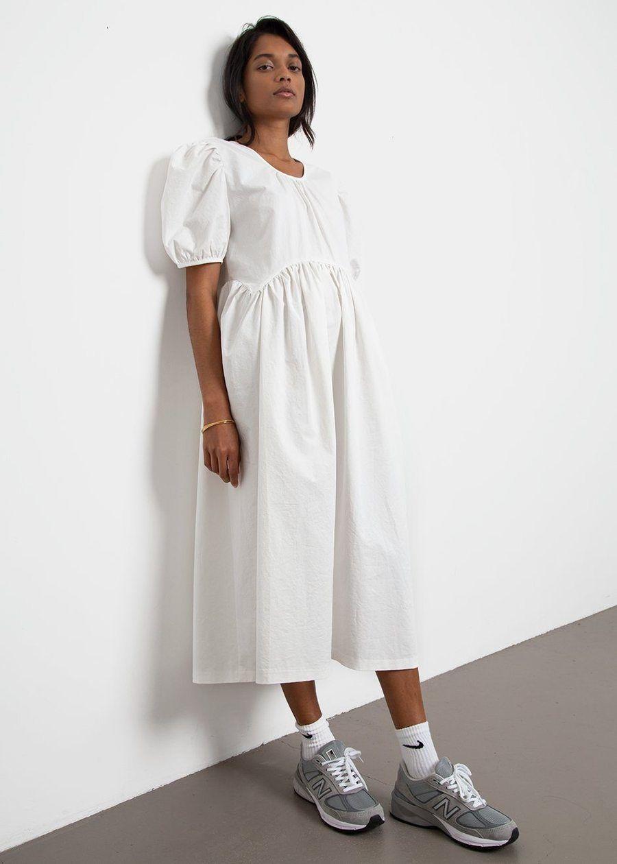 The Frankie Shop Balloon Sleeve Dress In 2021 Cotton Long Dress White Dress Balloon Sleeve Dress [ 1260 x 900 Pixel ]