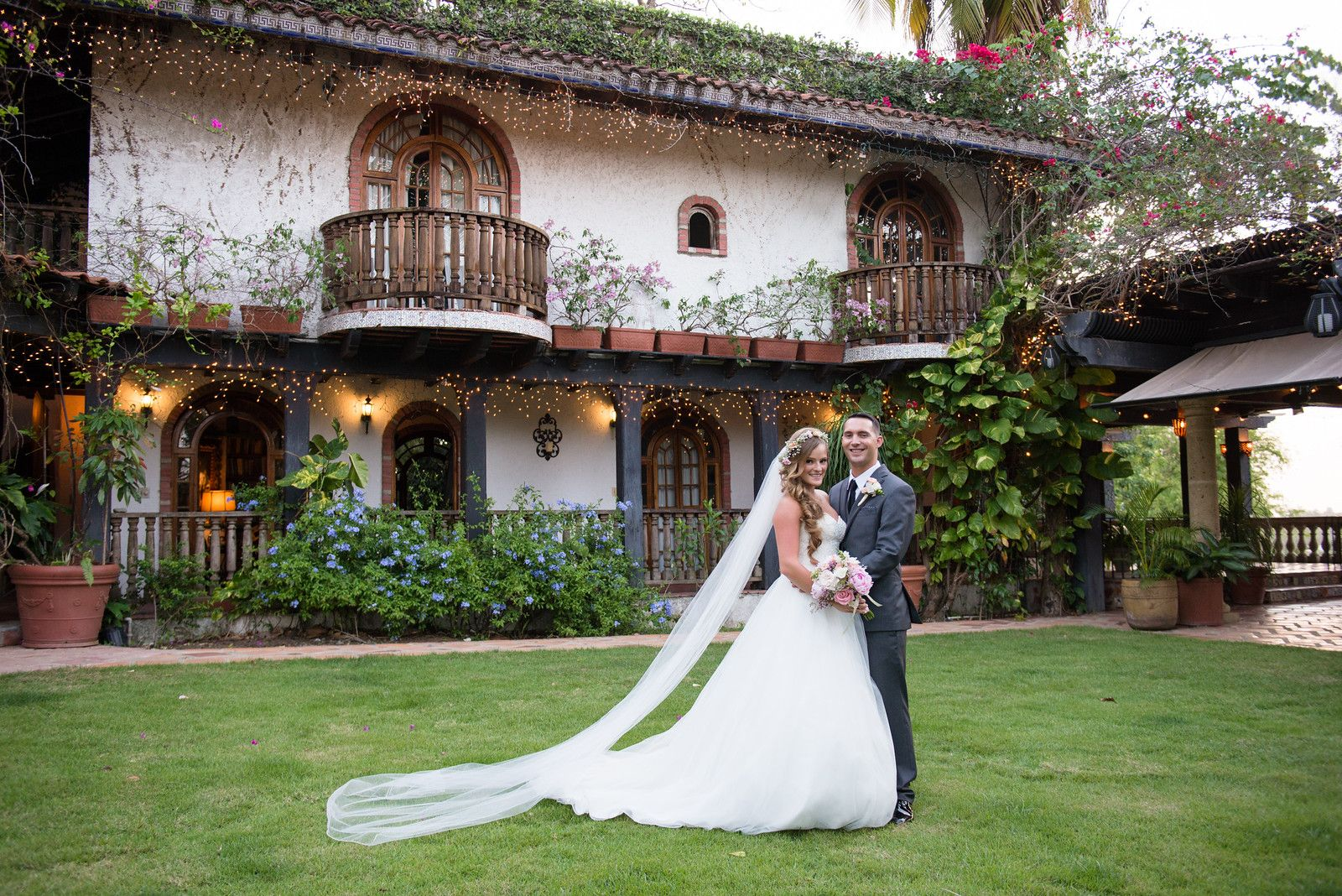 Hacienda wedding with soft color decor ideas | Inspiring post by Bridestory.com, everyone should read about One Couple's Dreamy Wedding at a Puerto Rican Hacienda on http://www.bridestory.com/blog/one-couples-dreamy-wedding-at-a-puerto-rican-hacienda