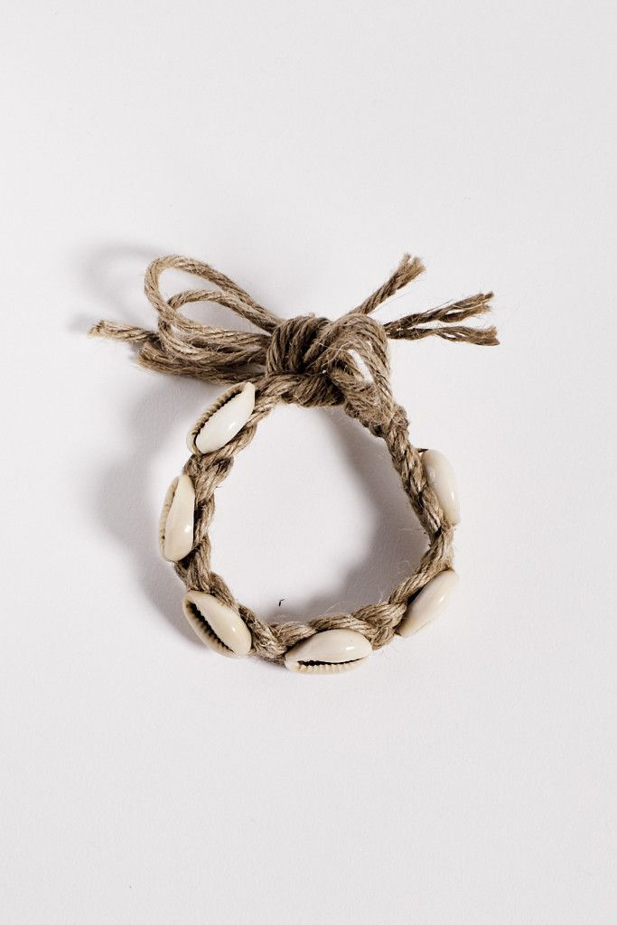 https://www.hopeandmay.com/collections/jewellery/products/the-lagoon-jute-wrap-up  ☆ https://es.pinterest.com/iolandapujol/pins/