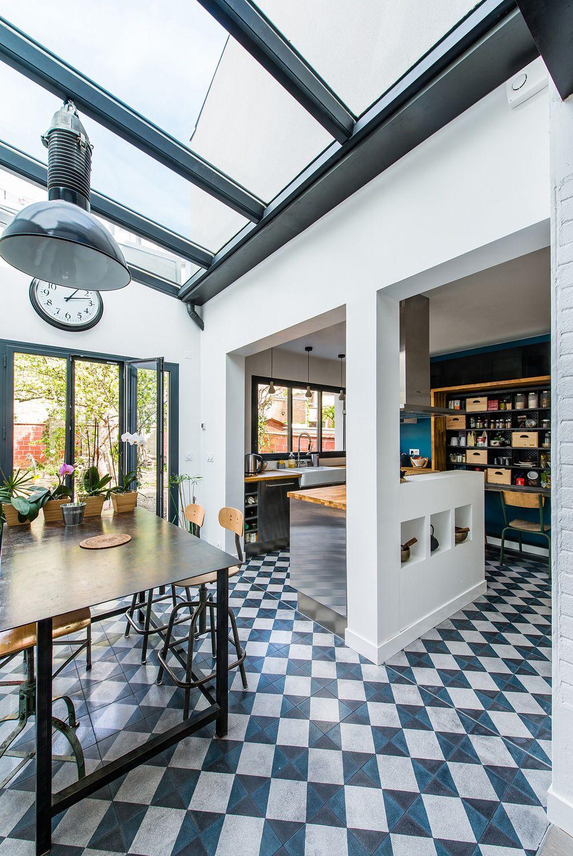 Kleine speisesaalideen modern une maison de ville à la décoration industrielle  planete deco a