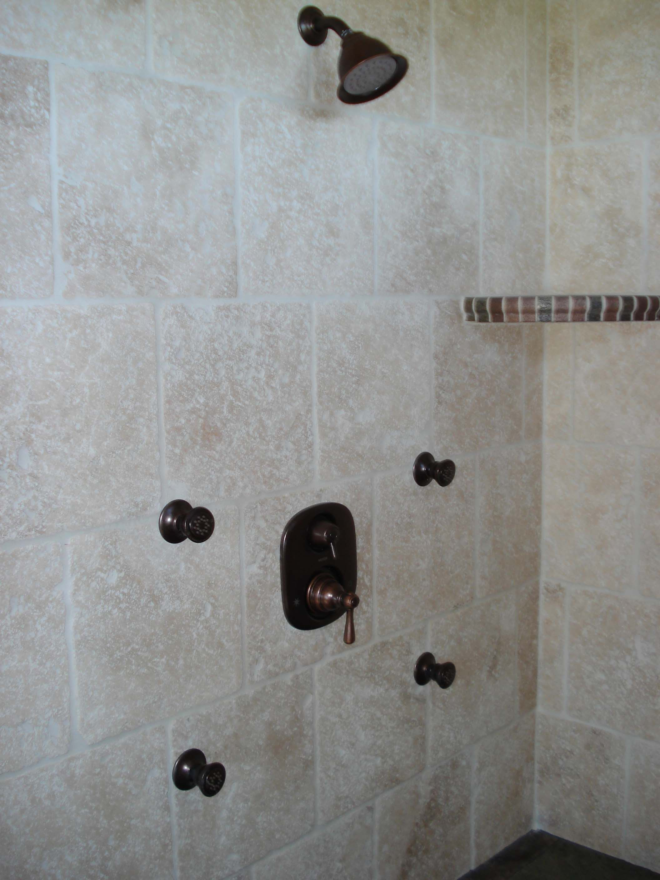 Shower Design Using 12x12 Tiles This Is A 12x12 Light Travertine Shower In This Shower There Is A Travertine Shower Shower Design Shower