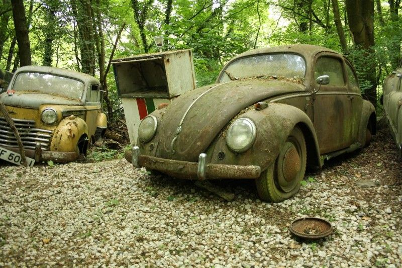 Dusseldorf Erkrath The Vintage Supercars Rotting Away In A Forest