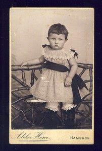 Vintage cabinet card of German child