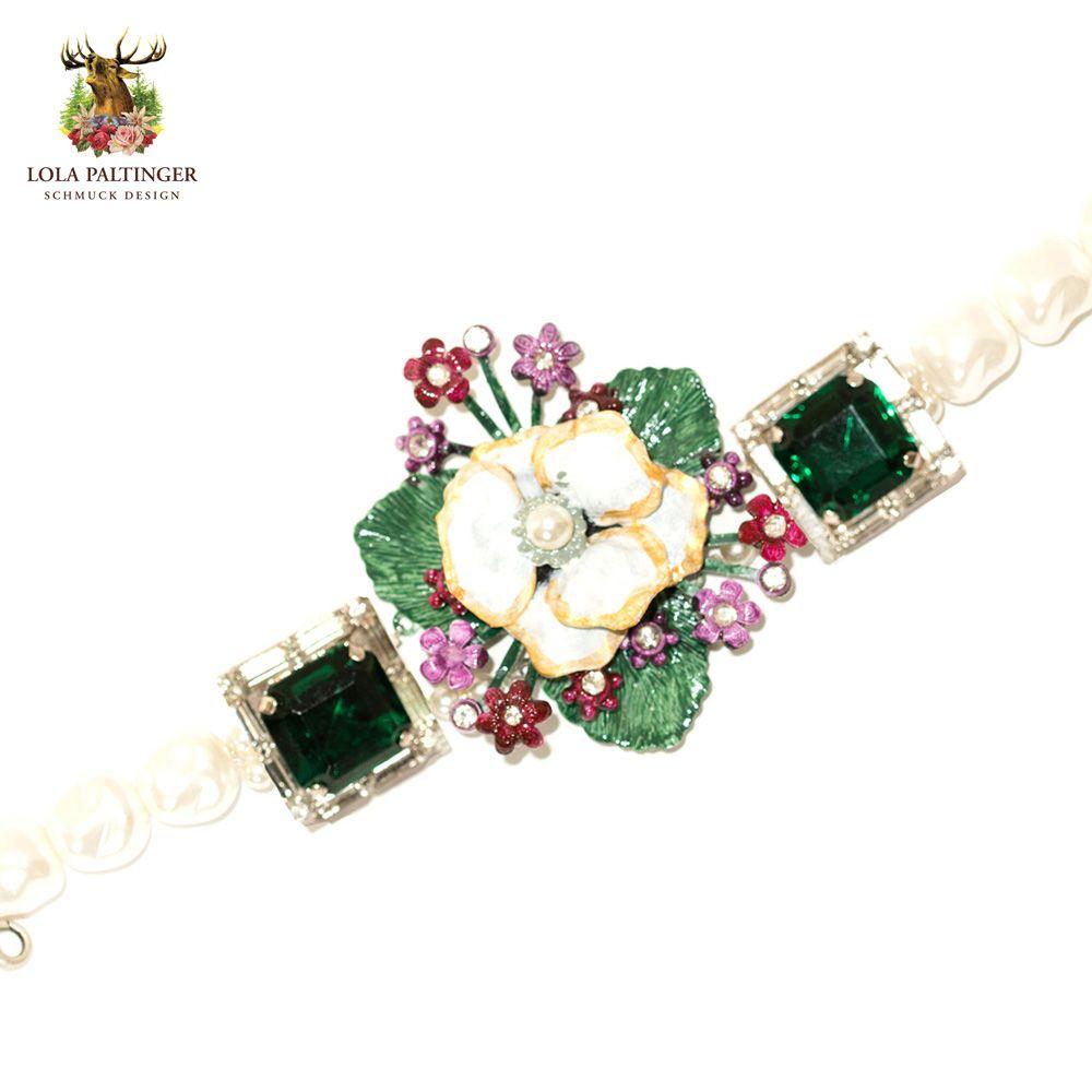 "Lola Paltinger Armband ""Grüne Blütenpracht"" https://www.almresi.de/lola-paltinger/armbaender/lola-paltinger--armband-gruene-bluetenpracht.php"