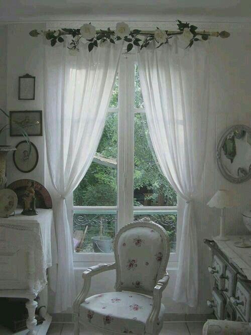 Tende in fiore   Salotto chic, Camera da letto elegante e ...