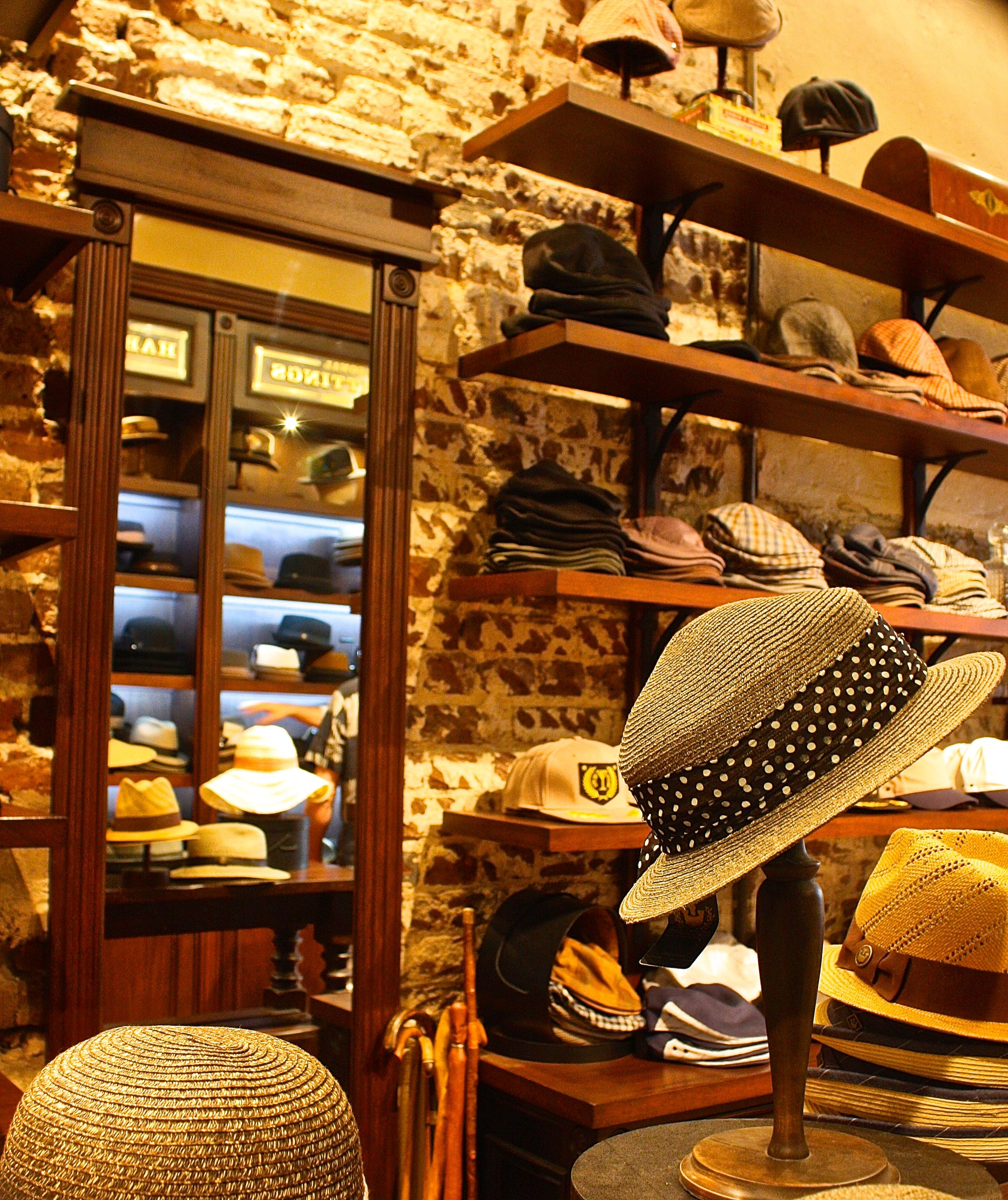 Hat Store On King Street Photo By Donnaleeshoaf Hat Stores Hats Retail Space