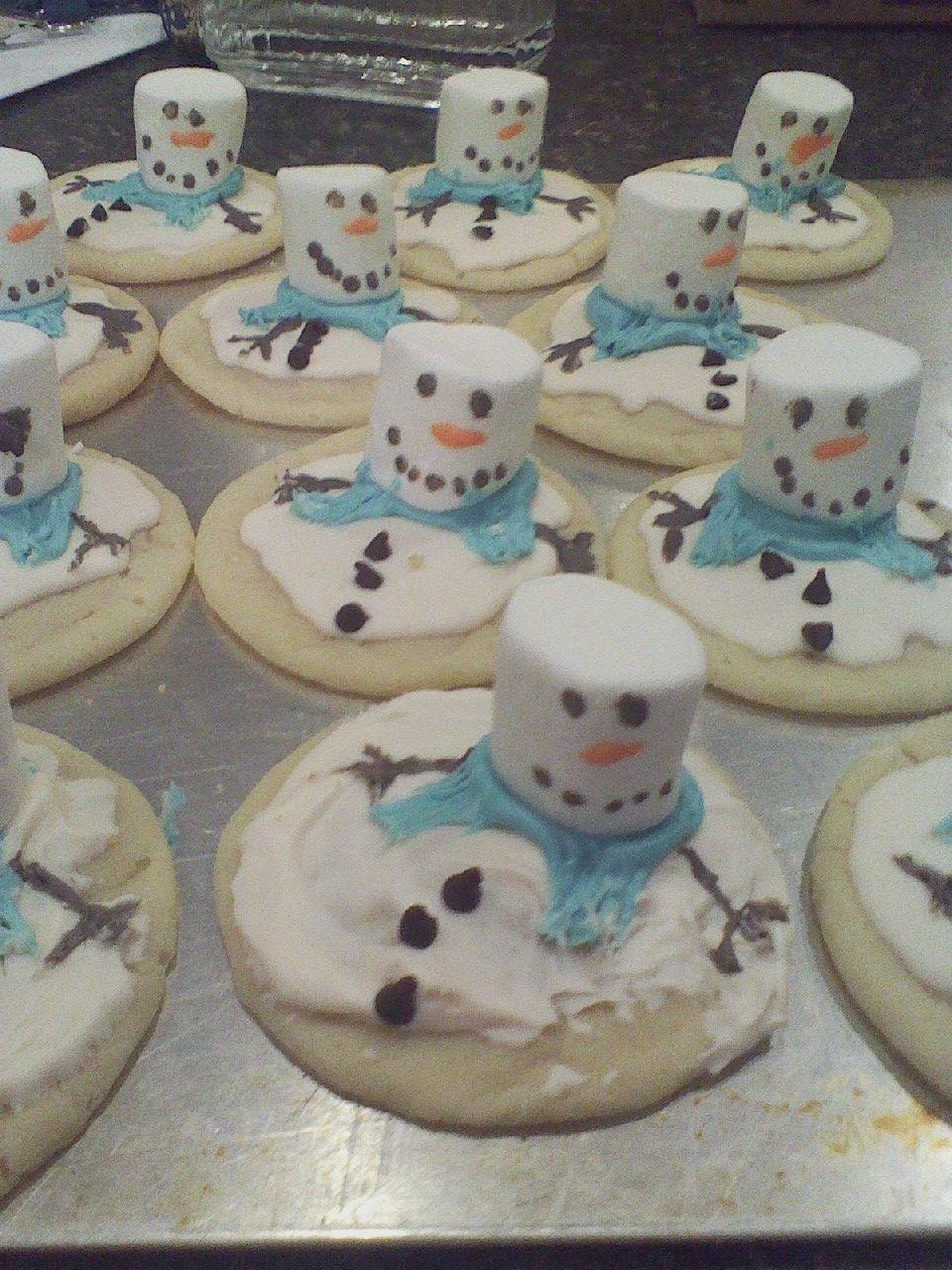 Fun food (Snowmen cookies)