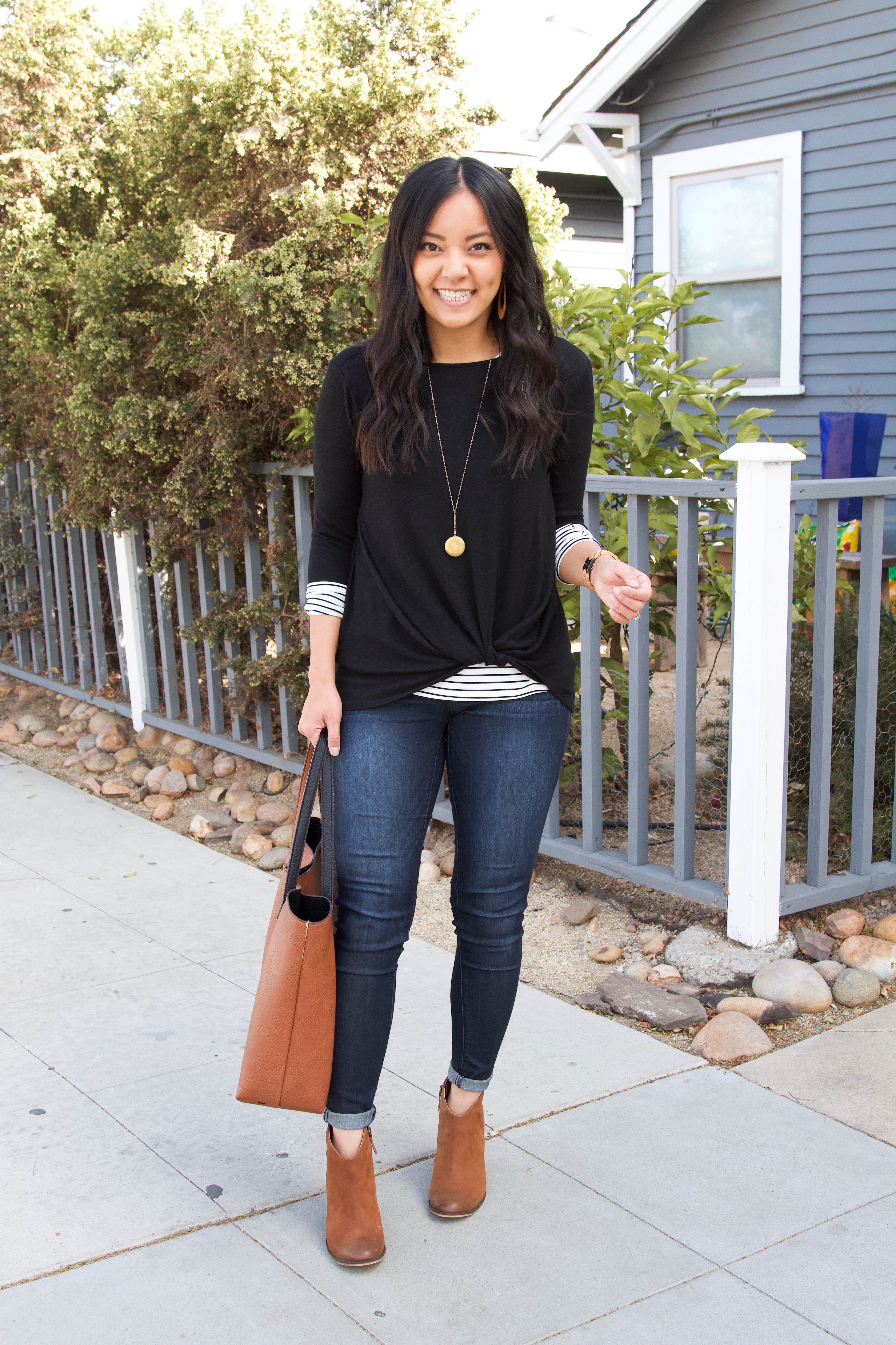 5 Super Comfy Thanksgiving Outfits (Including Stretchy Jeans!)