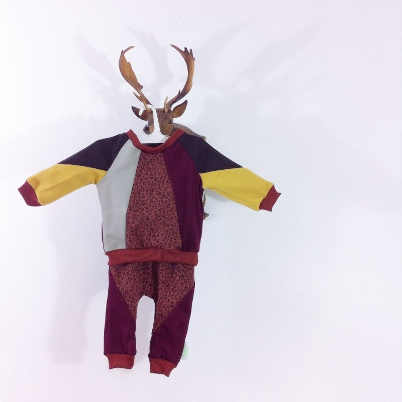 CUSTOM MADE baby sweater & pants. Shirley sloppop.nl