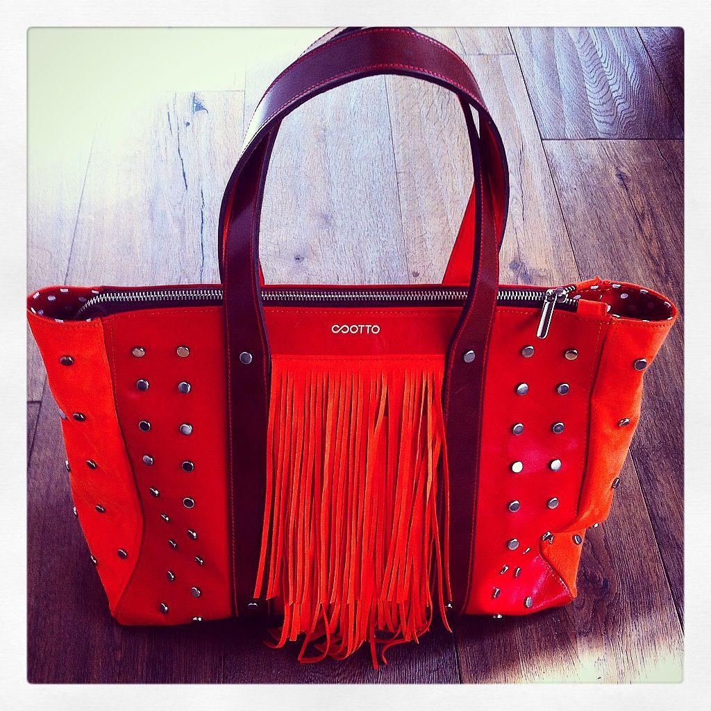 OTTO❤️...shopping bag in pelle  #otto #ottobag #outfitoftheday #bag #clutch #MFW #moda #fashion #fashionista #fashionstyle #theblondesalade #songofstyle #styleblog #style #streetstyle