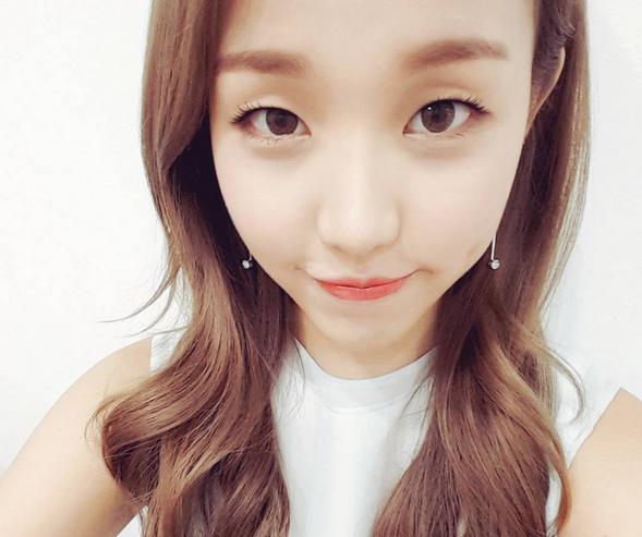 Baek A Yeon Contemplates Getting Double Eyelid Surgery Every Night Baek A Yeon Double Eyelid Eyelid Surgery