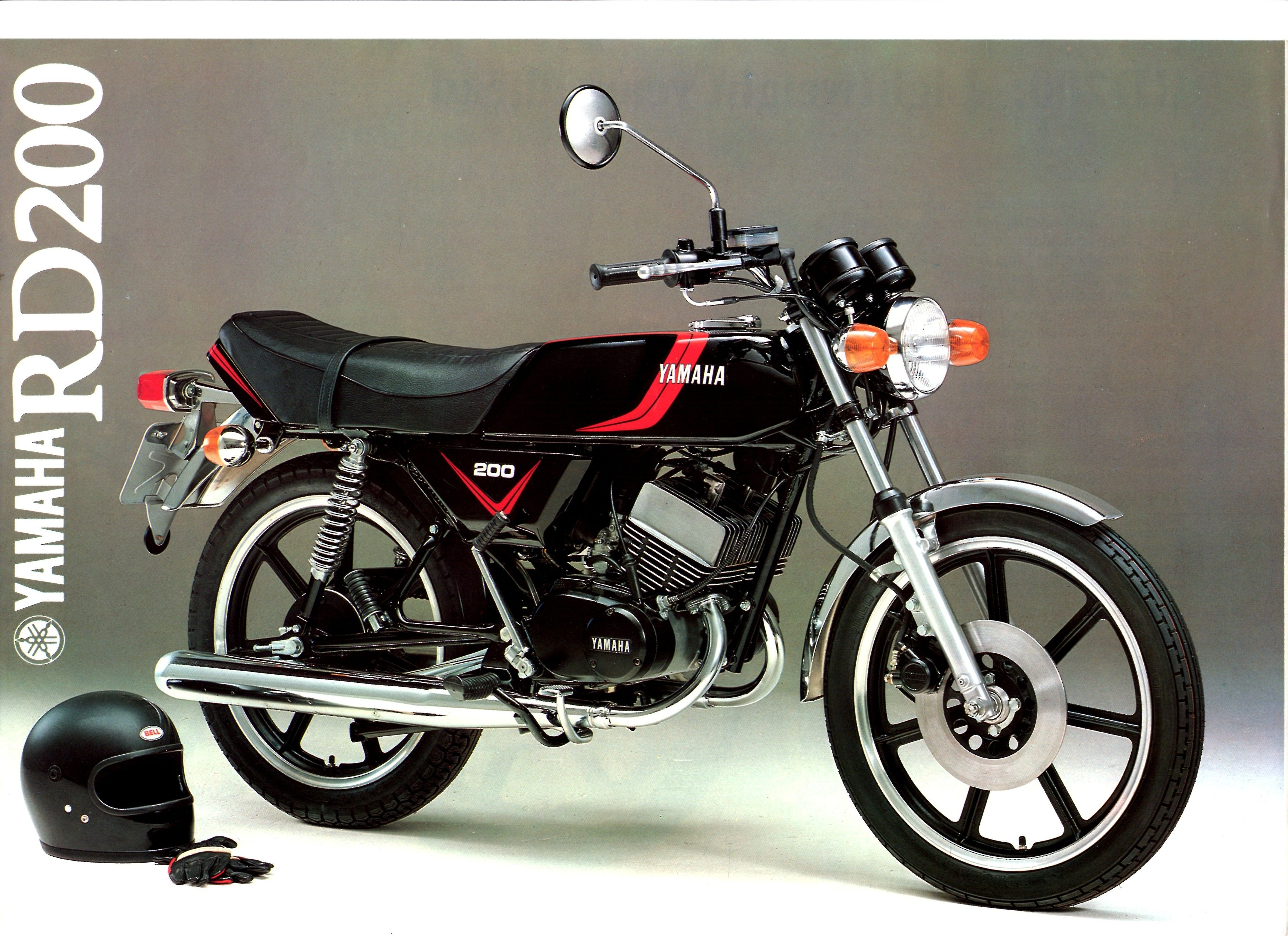 1980 Yamaha RD200 Brochure - front cover