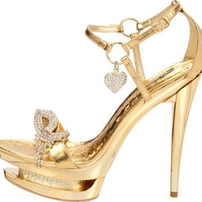 Dress platform shoes in gold color