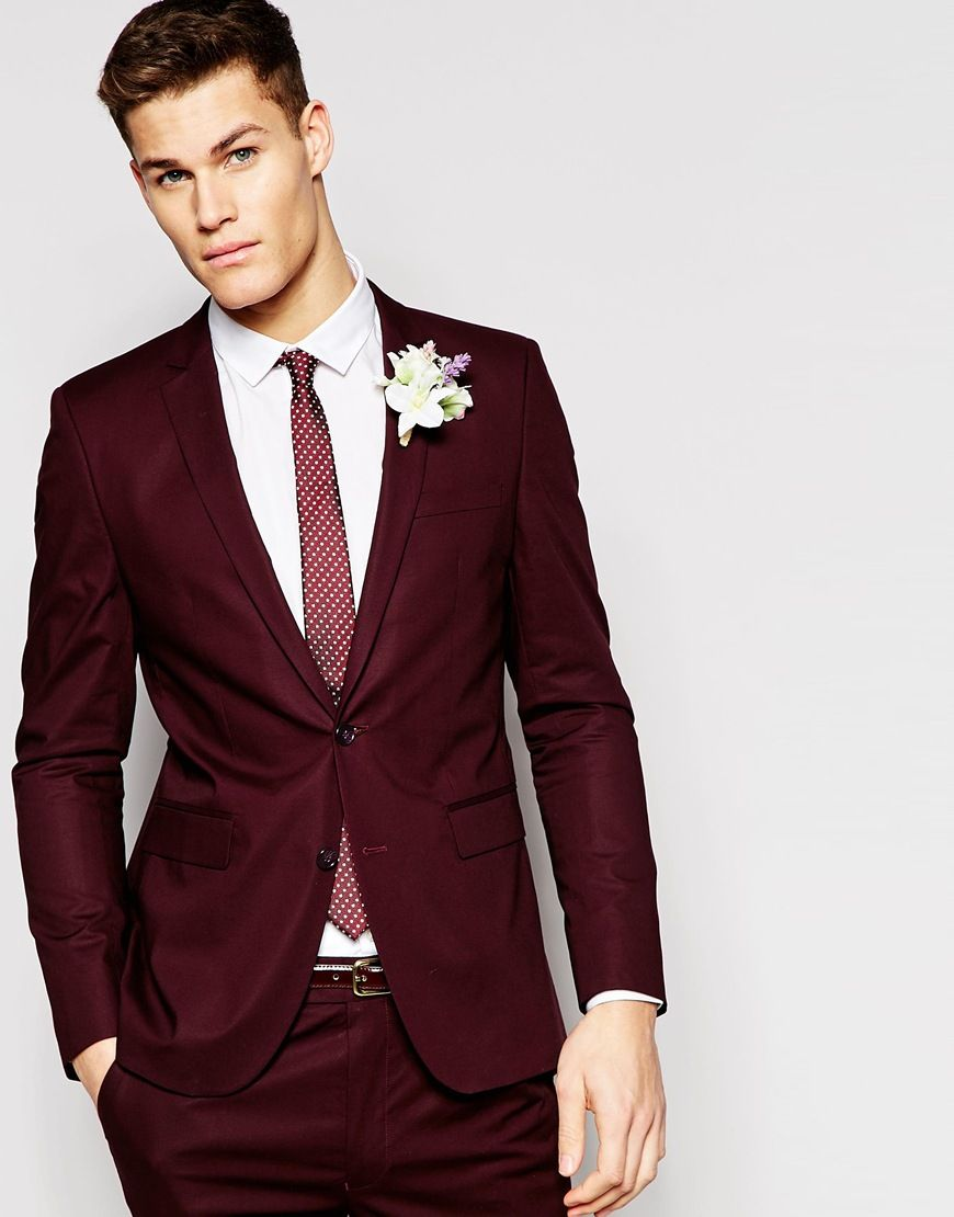 With Wedding Suit Trends This Year One Thing Is For Sure Brides Won T Be The Only Ones Standing Out In Colourful Form Ing Styles