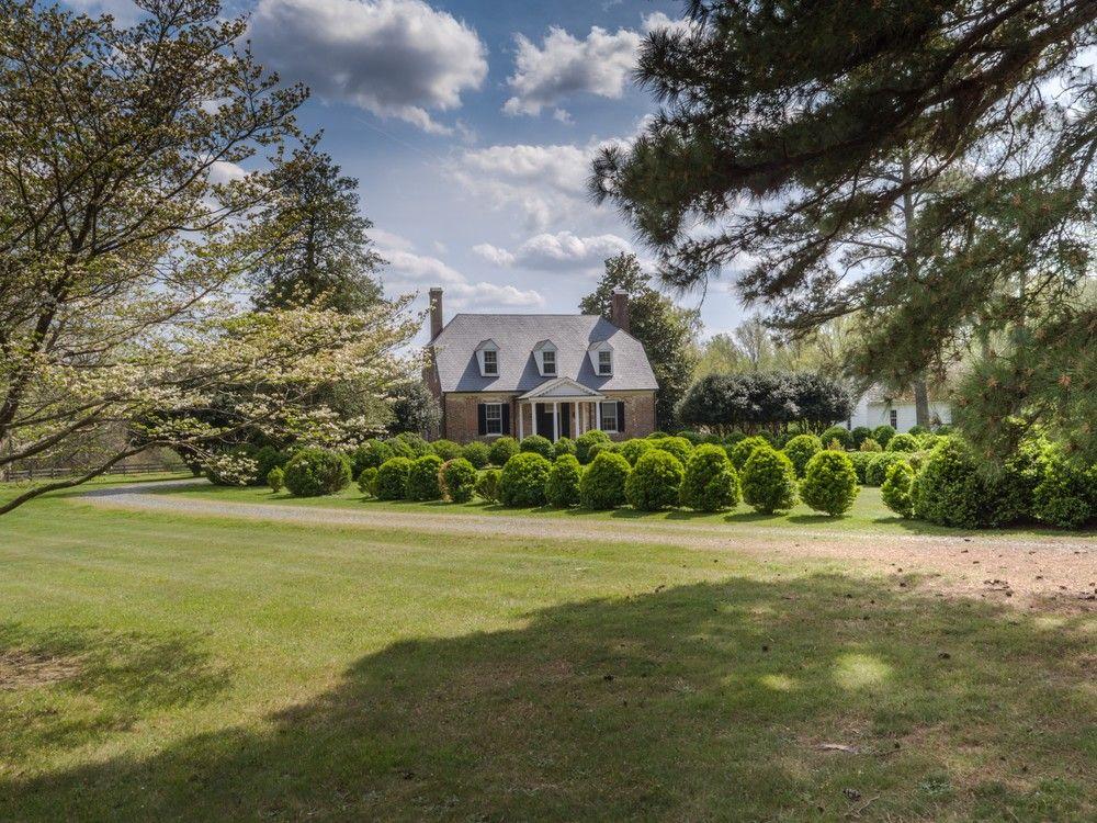 C 1740 Tidewater Farmhouse W Clipped Gables For Sale In Saluda Virginia Oldhouses Com Equestrian Estate Saluda Virginia