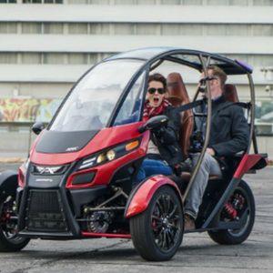 二人乗り電動三輪車 Srk 2017年春から量産へ 電動三輪車 三輪車 リバーストライク