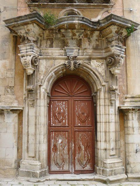A Baroque door on a Palazzo in Ragusa Ibla, Italy #ragusa #sicilia #sicily