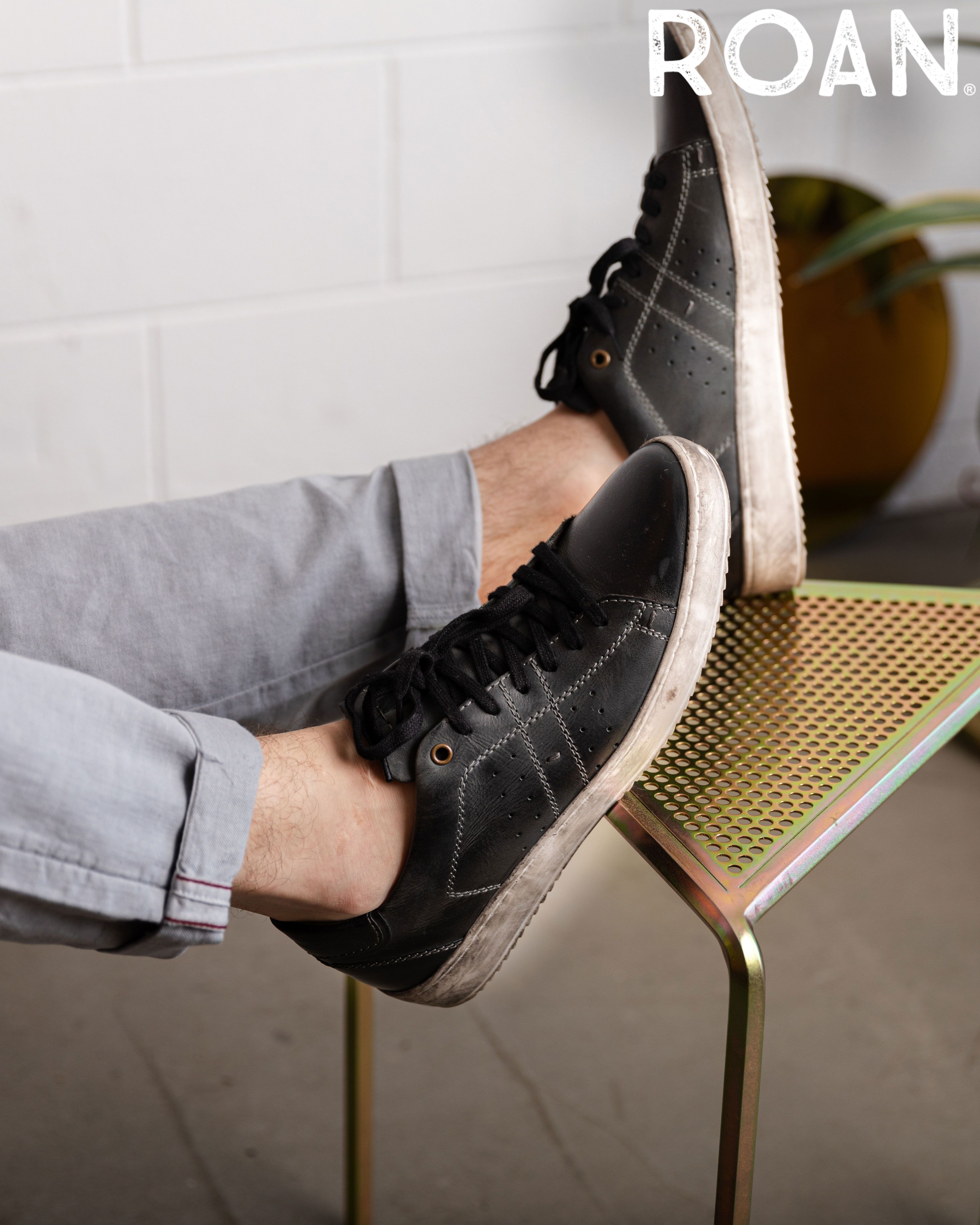 Henson Black Leather Sneakers Black Laces Leather Sneakers [ 4480 x 3584 Pixel ]