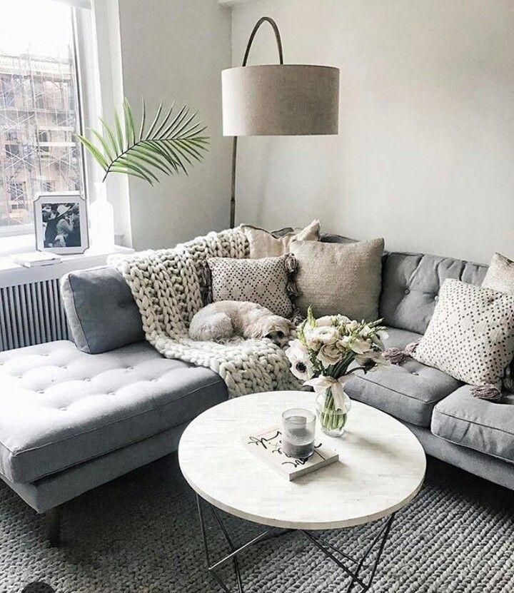 carlenesantamar 2018 Apartment Inspo Pinterest Grey corner - wohnzimmer rot grau