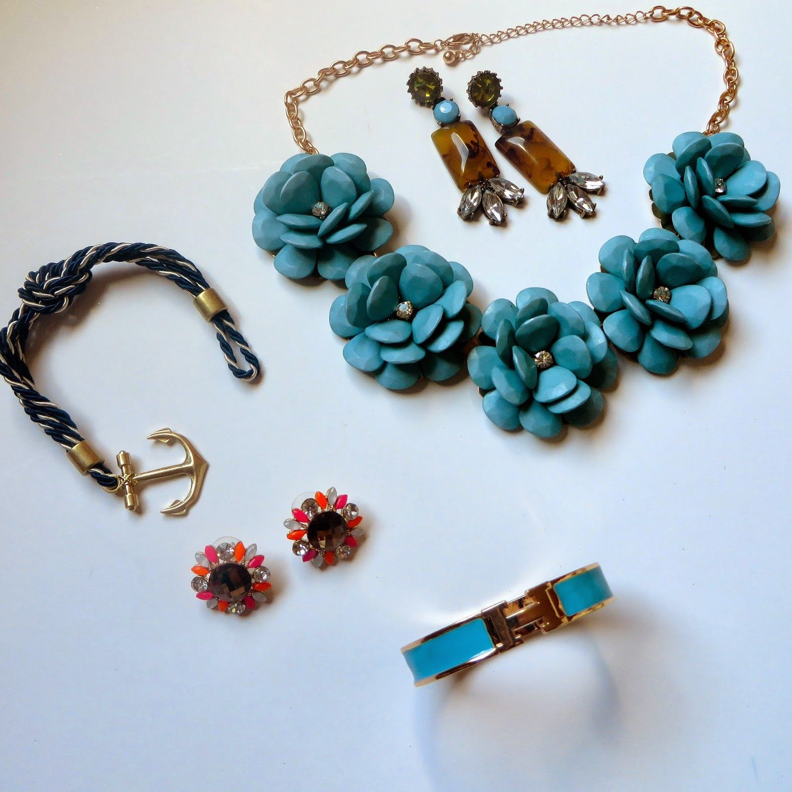 Accessory Mercado Favorites... Pretty & Please