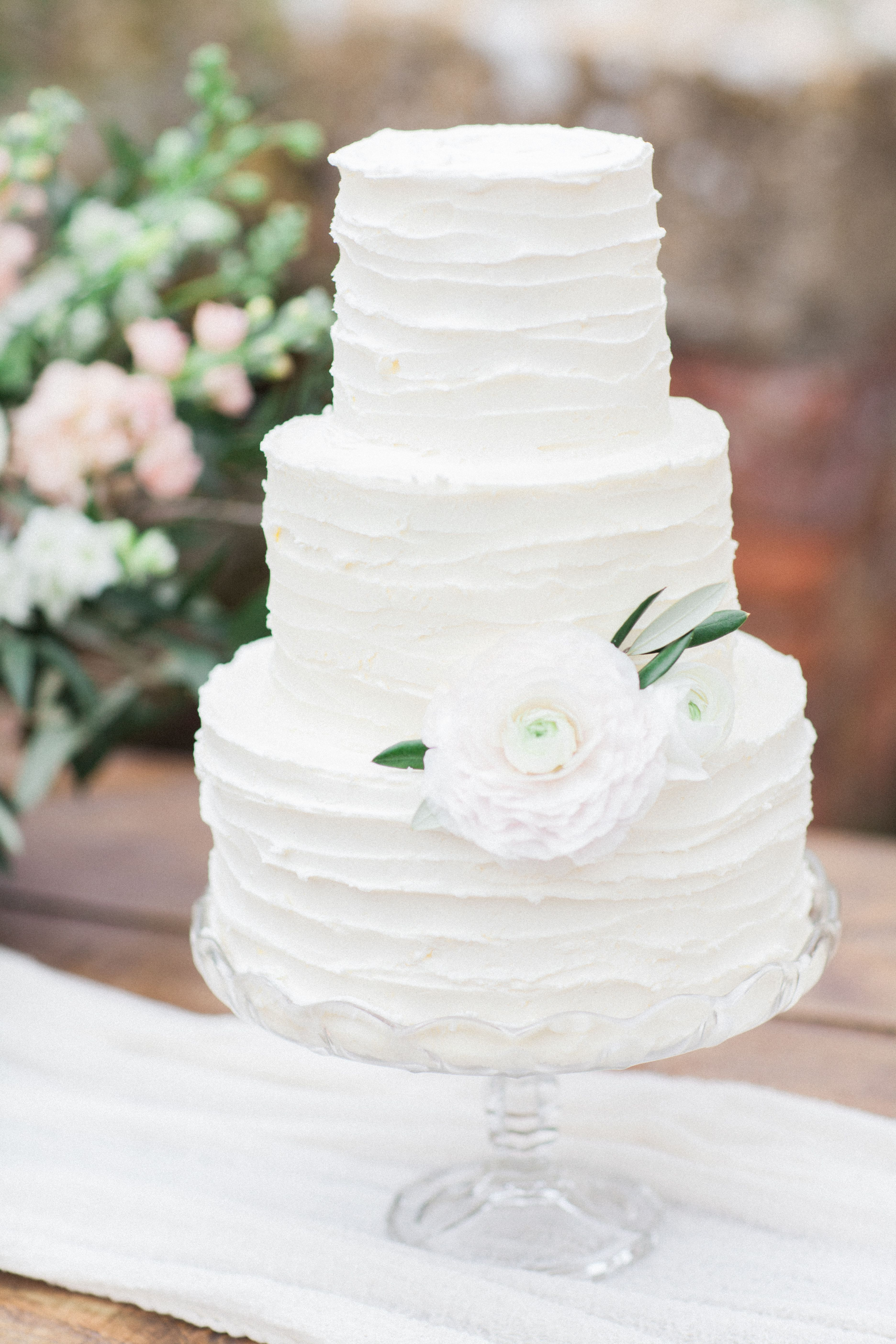 Fine art wedding cake wedding cake buttercream fine art wedding